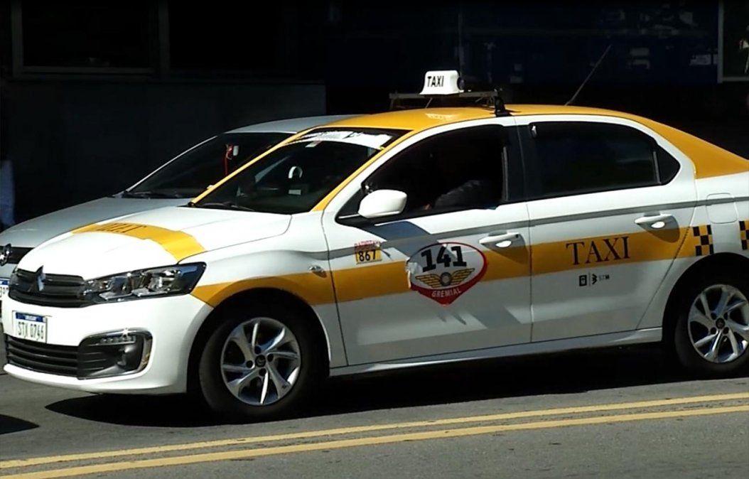 Sancionaron al taxista que desde el auto le dijo a una mujer que la podían raptar