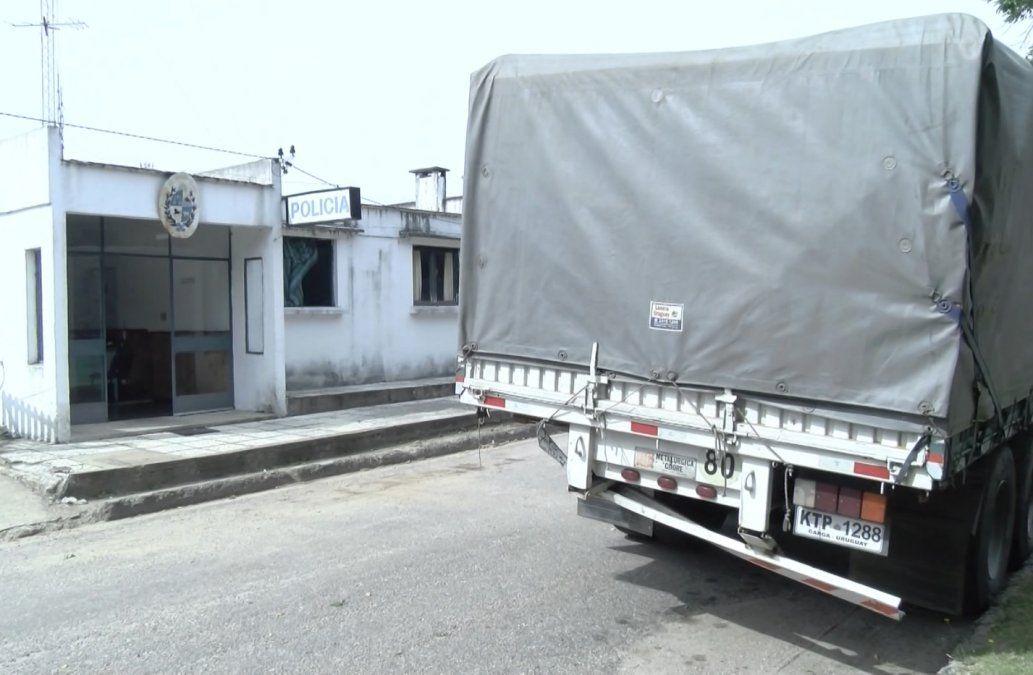 Una motociclista murió tras impactar contra un camión estacionado en la ruta