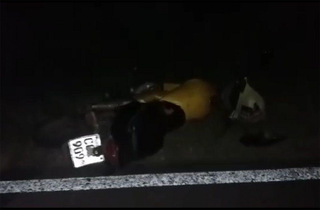 Motociclista que circulaba a pie por la ruta fue atropellado por una camioneta