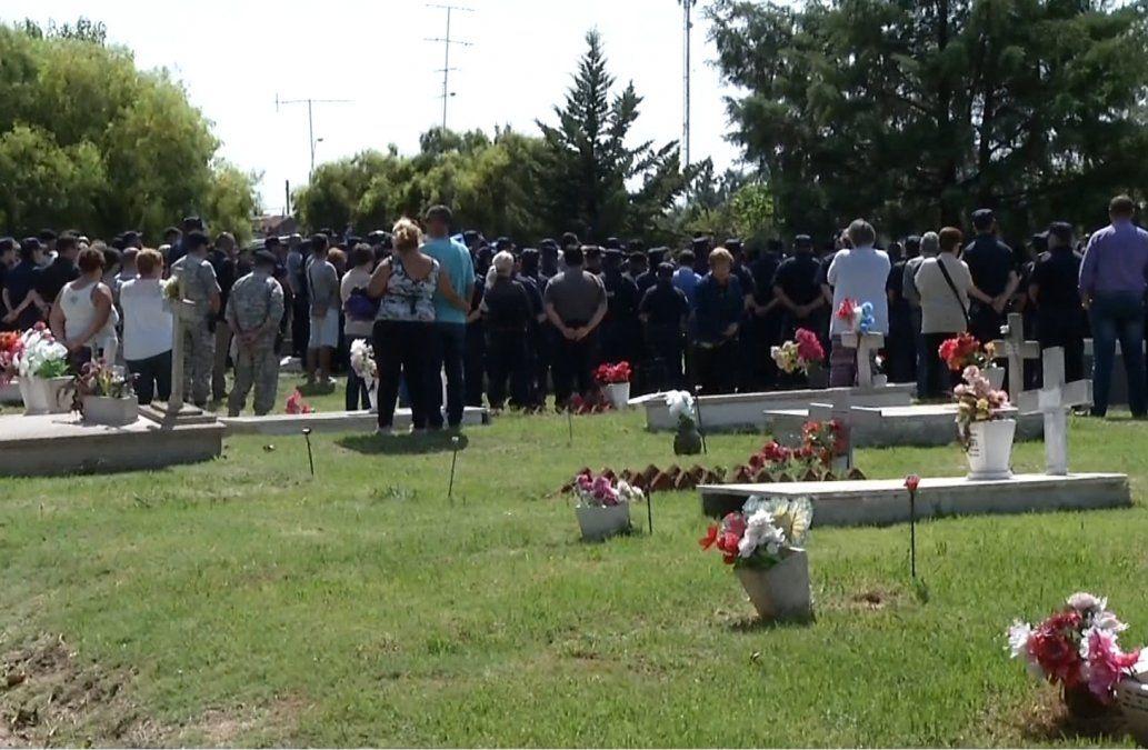 Familiares, amigos, policías y vecinos despidieron a David Texeira, el agente asesinado en ruta 5