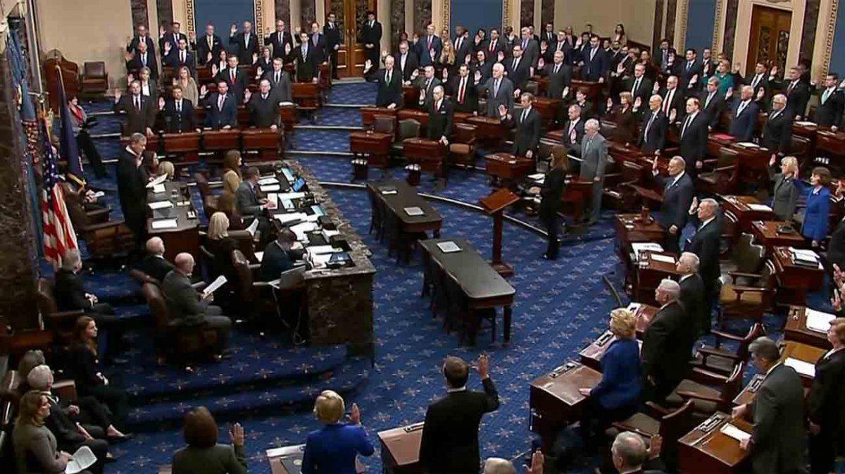 Comenzó este jueves el juicio político contra Trump con el juramento de 100 senadores