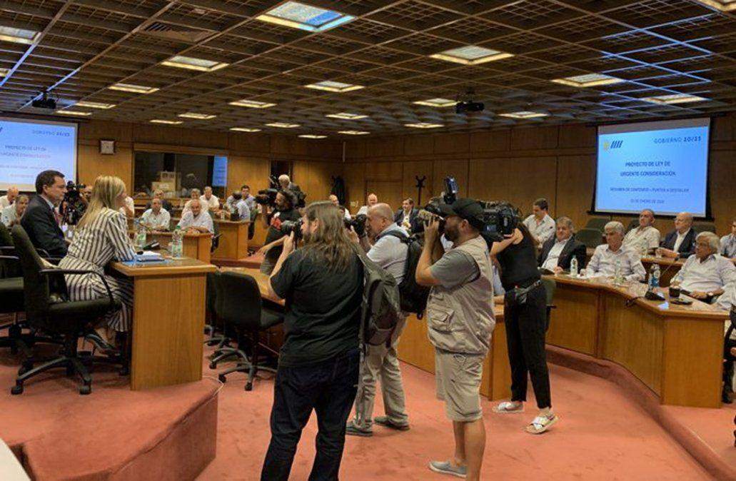 Foto: Beatriz Argimón reunida con legisladores electos del Partido Nacional.
