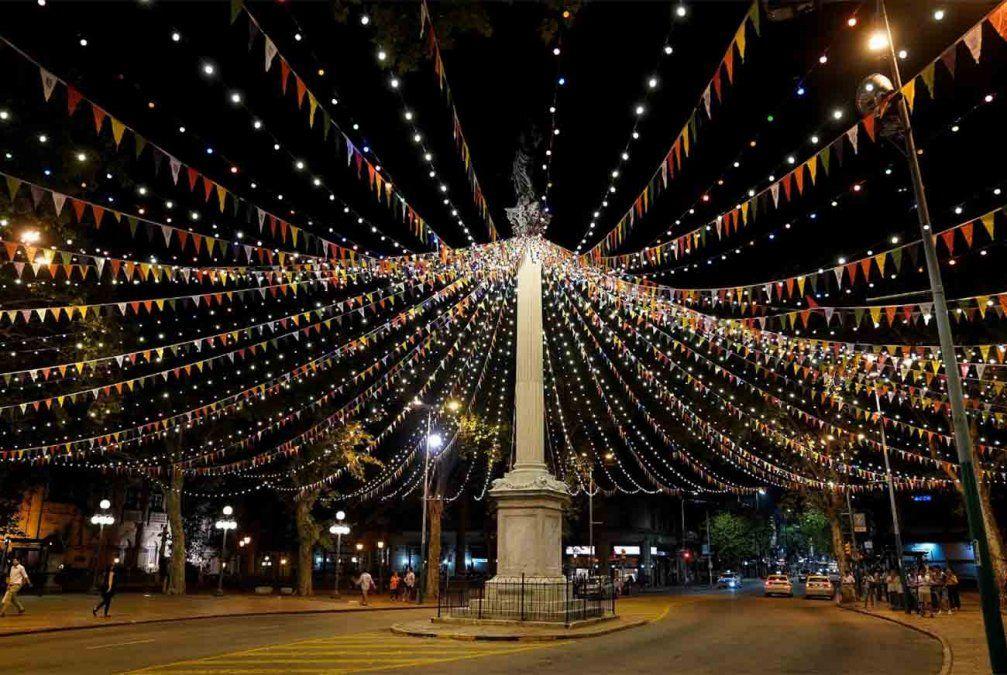 Más de 50 agrupaciones participan hoy del Desfile Inaugural del Carnaval