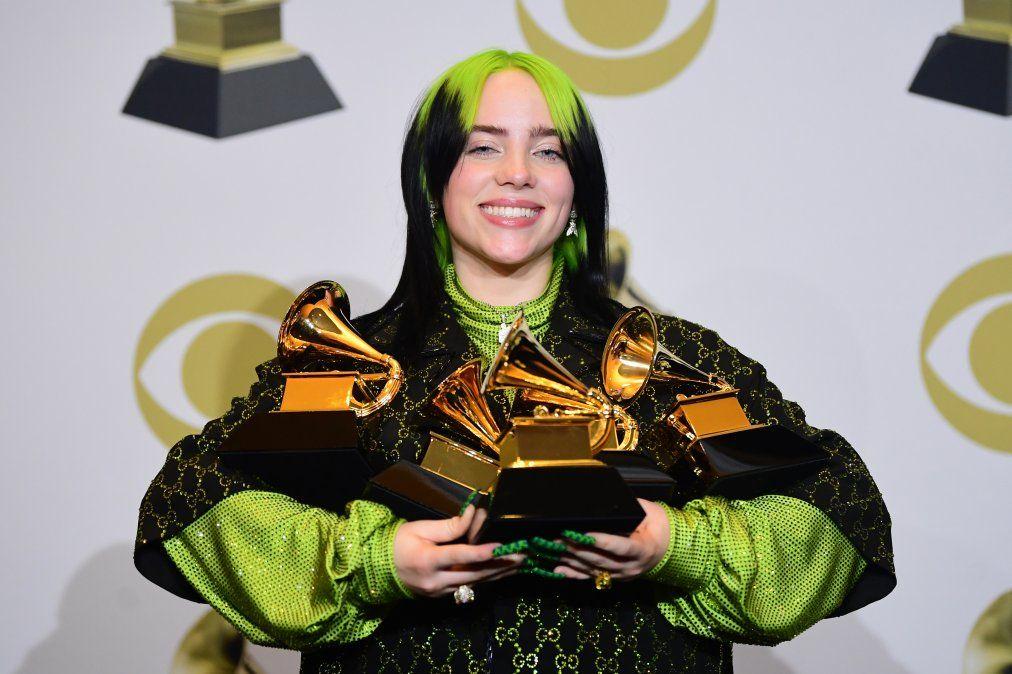 Billy es hija de artistas y se hizo famosa cuando tenía 14 años cuando lanzó su sencillo Ocean Eyes.Cuando era pequeña fue diagnosticada con síndrome de Tourette