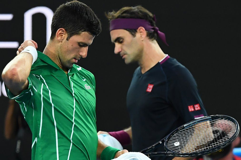 Djokovic se impuso con autoridad a Roger Federer y es finalista en el Open de Australia