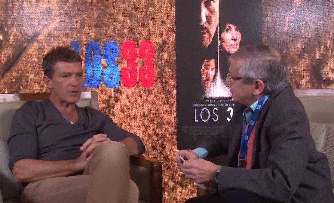 Antonio Banderas recibió el Globo de Oro a mejor actor y está nominado al Oscar