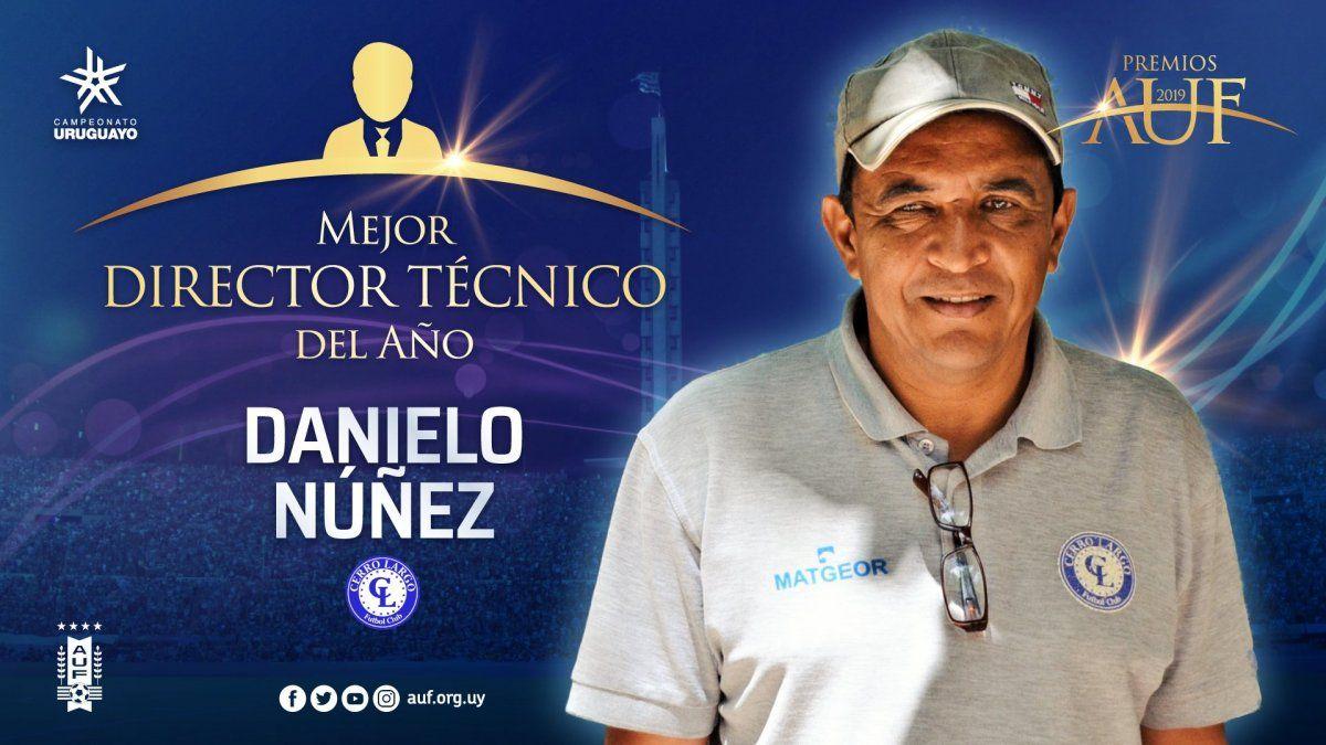 Danielo Núñez abandonó su carrera como jugador muy joven para formarse como entrenador. En 2019 fue distinguido como el mejor DT por la AUF gracias a su gran campaña con Cerro Largo