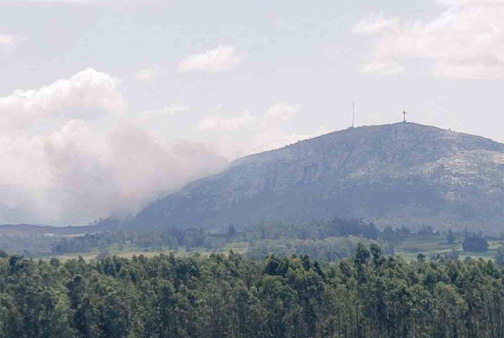 Incendios en Manantiales y Pan de Azúcar permanecen activos y con varios focos