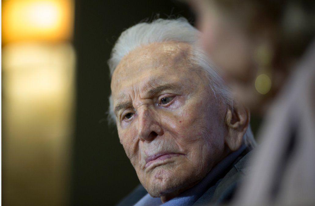 La leyenda del cine Kirk Douglas murió a los 103 años de edad