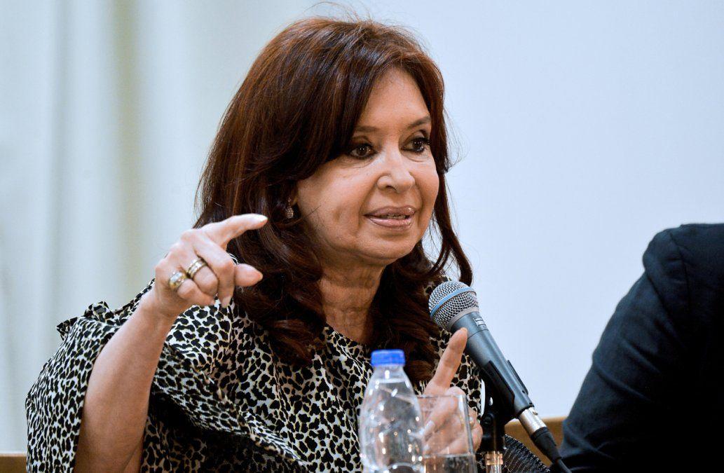 Kirchner reclama en Cuba al FMI una quita sustancial de la deuda argentina