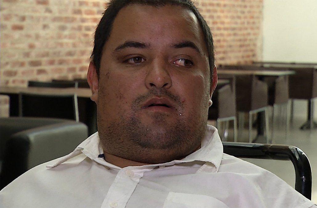 Joven con parálisis cerebral severa pide ayuda para comprar las baterías para su silla de ruedas