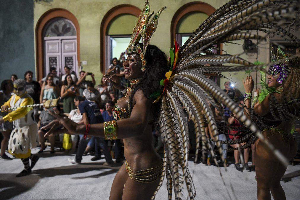 Así se vivió el Desfile de Llamadas 2020 por la calle Isla de Flores