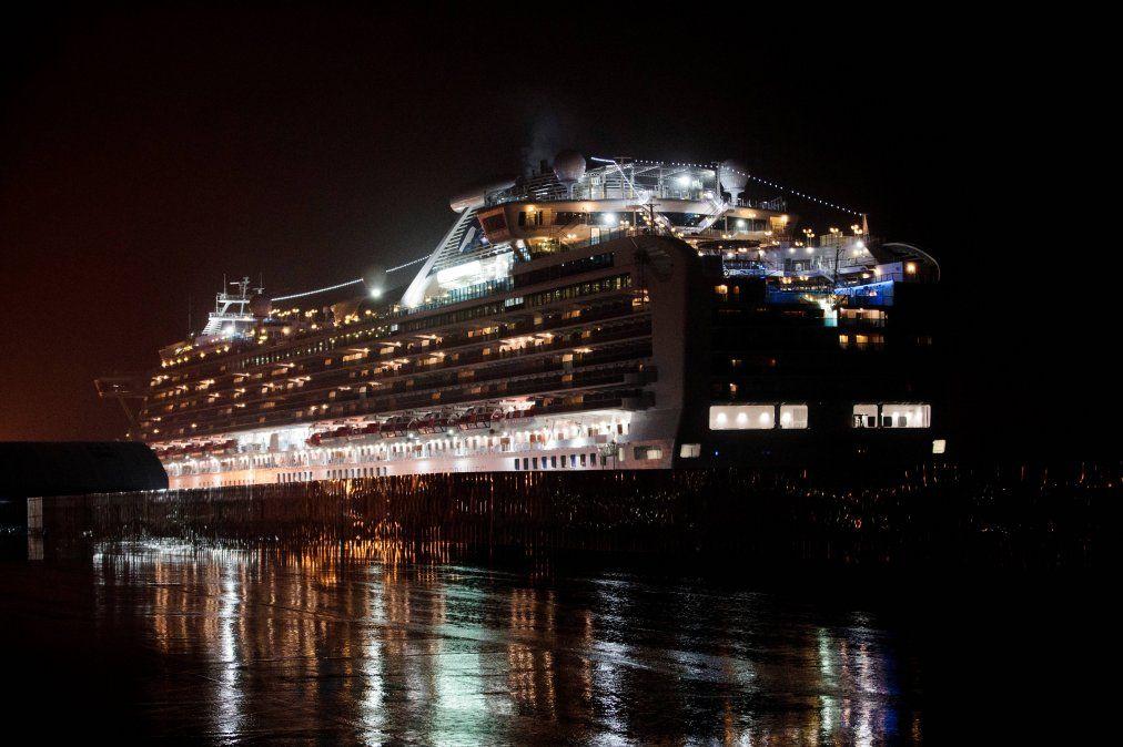 Al menos 40 estadounidenses infectados con coronavirus en crucero en Japón
