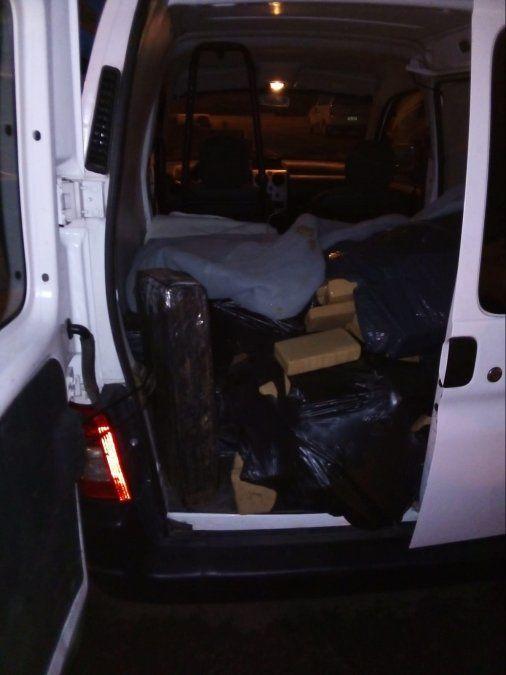 La camioneta detenida en Tacuarembó