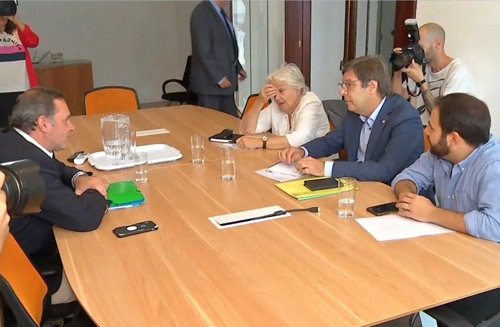 Acuerdo entre Lacalle Pou y el FA para ocupar 34 cargos en el próximo gobierno