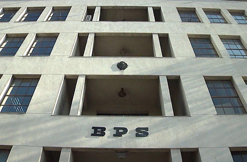 BPS recibió más de 74 mil solicitudes al seguro de paro hasta el momento