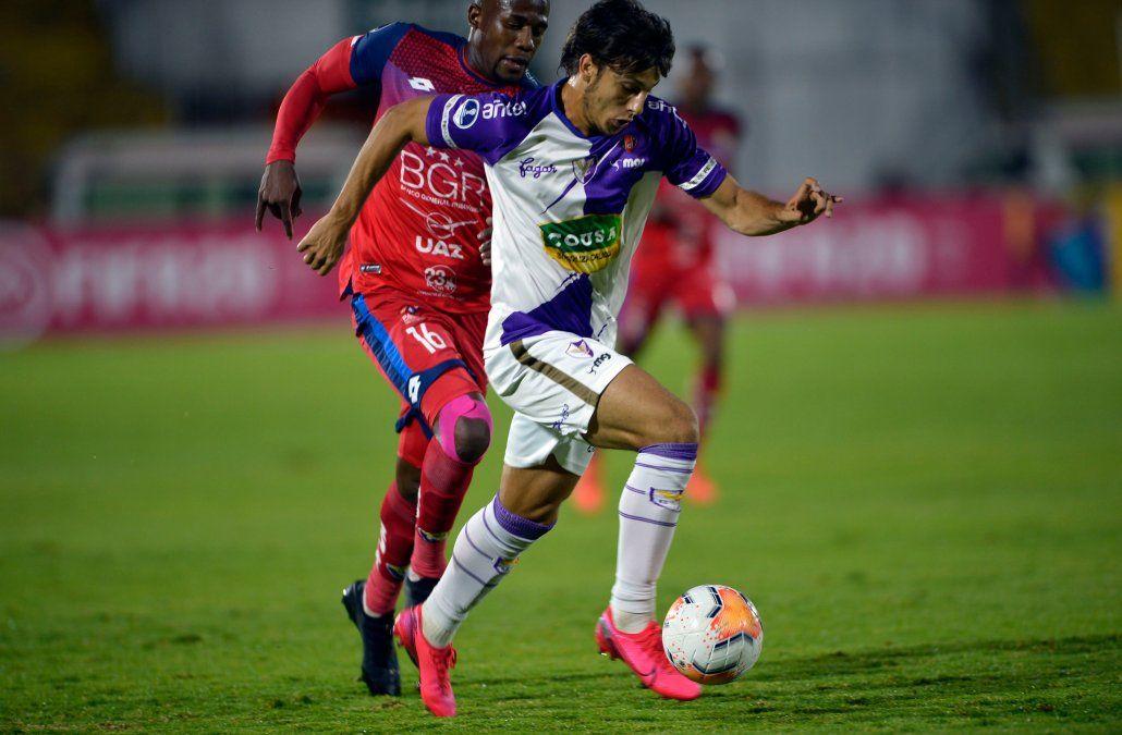 Agustín Canobbio vlvió con buen pie a Fénix tras su paso por Peñarol. Aquí