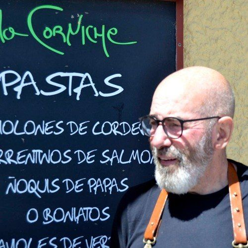 Orlando Piñero hace más de una década que se estableció en Piriápolis con La Corniche