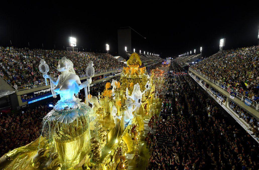 Viradouro es la campeona del carnaval de Río, con homenaje a las mujeres negras