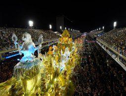 altText(Viradouro es la campeona del carnaval de Río, con homenaje a las mujeres negras)}