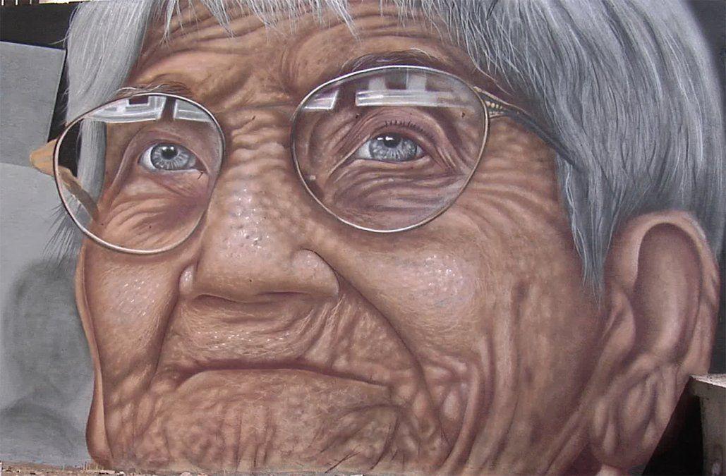 Mural homenajea a Luisa Cuesta en la plaza que lleva su nombre