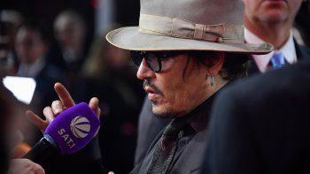 Johnny Depp se toma su honor en serio y aparece en un juicio por difamación