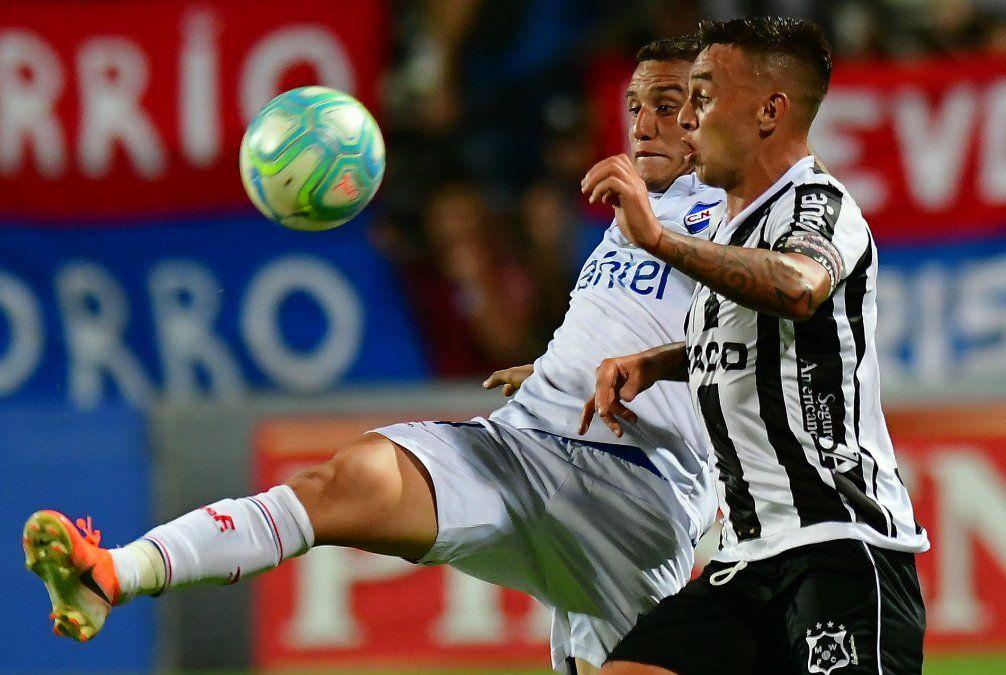 Nacional sigue sin poder ganar: empató 2-2 ante Wanderers