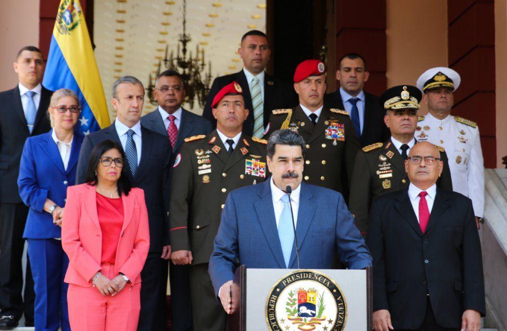 Venezuela ya tiene los dos primeros casos de coronavirus y cerró puertas a viajes del exterior
