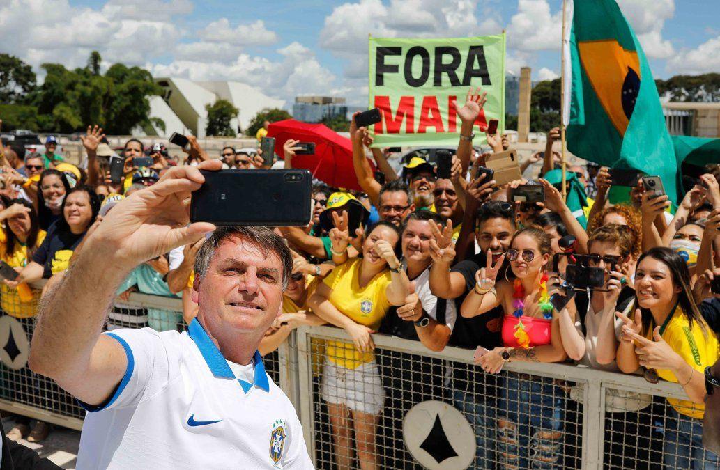 En Brasil, partidarios de Bolsonaro ignoran advertencias por coronavirus y se manifiestan