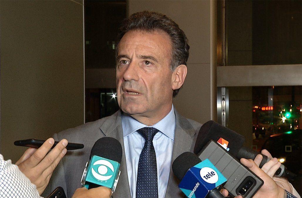 Ministro Salinas informó al Parlamento de 392 casos sospechosos de coronavirus