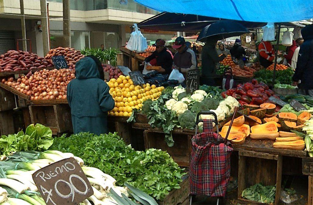 Leve reducción de la inflación a 9,74% en octubre, según el INE