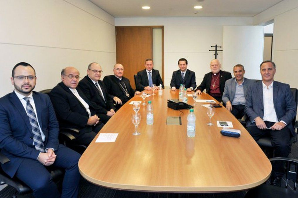 Delgado se reunió con representantes de varias religiones en Uruguay por avance del coronavirus