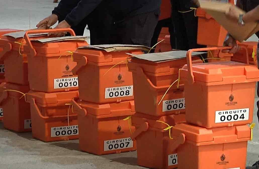 Partidos políticos acuerdan postergar elecciones departamentales hasta octubre