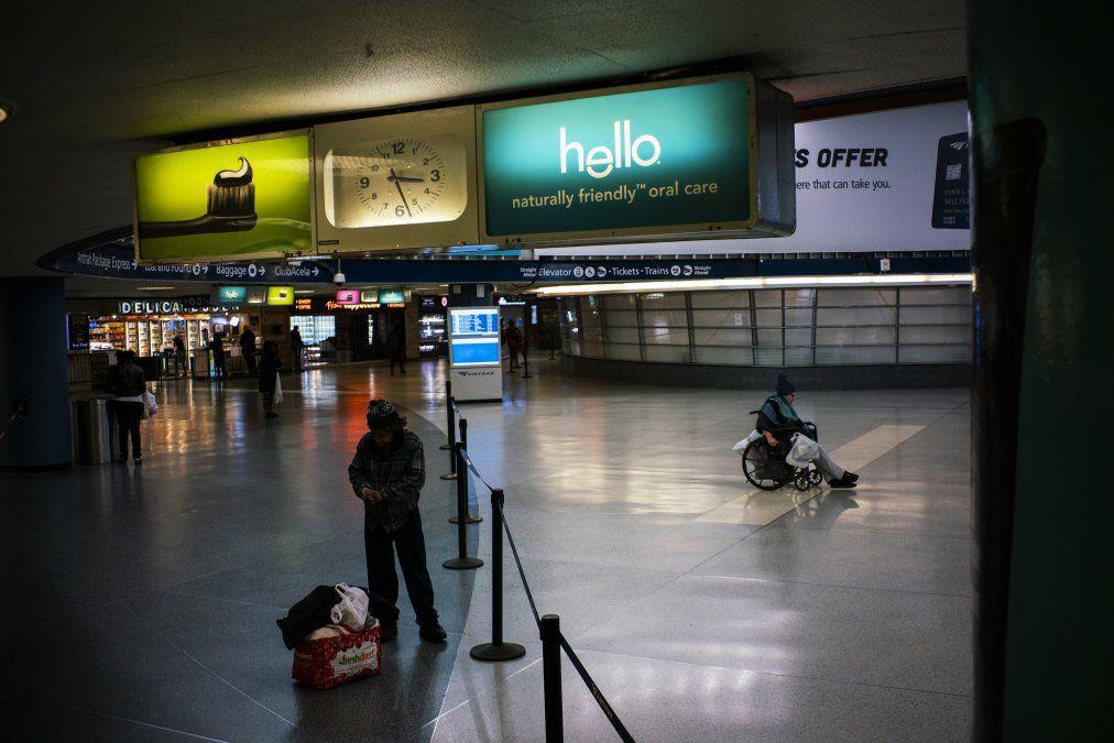 Una solitaria Penn Station de Nueva York. La ciudad es la más afectada por el coronavirus. Tiene casi la mitad de los casos del pais.