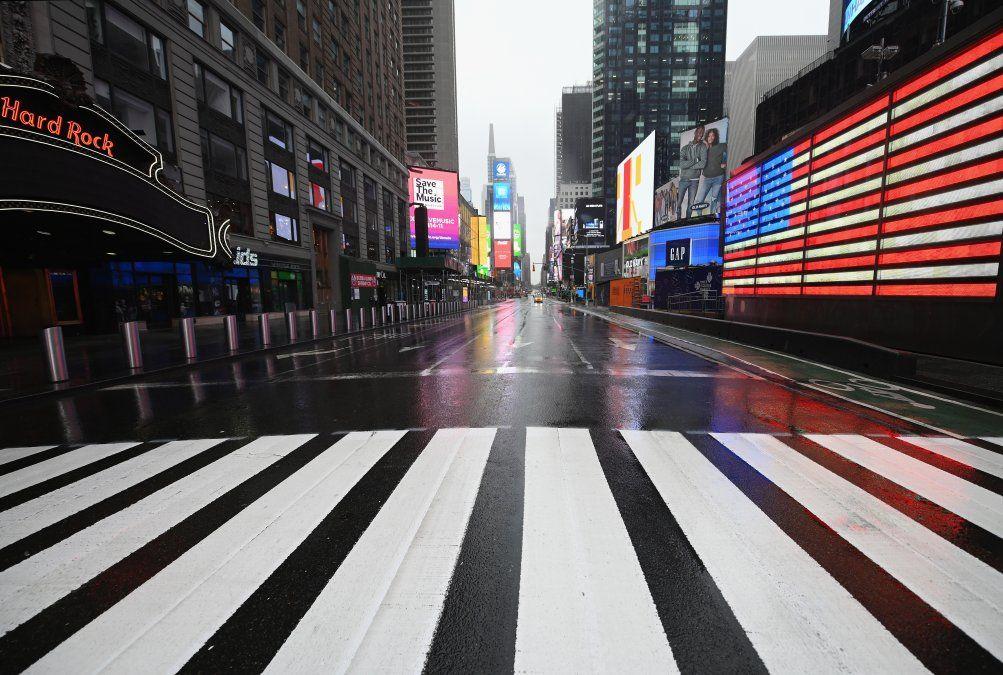 Se ve un Times Square casi vacío el 23 de marzo de 2020 en la ciudad de Nueva York