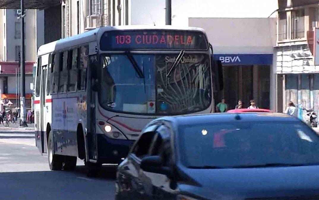 Cayó 80% la venta de boletos en Montevideo y se redujo 40% la cantidad de servicios