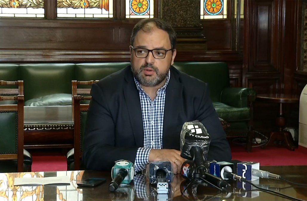 Frente Amplio propone que impuesto sobre salarios de legisladores sea permanente