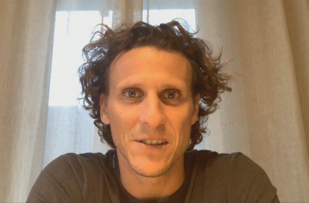 Diego Forlán donó 2 mil canastas y 100 termómetros al MIDES