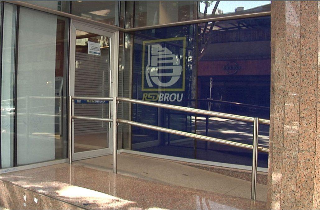 BROU habilitó el retiro sin costo en los cajeros de Banred durante abril