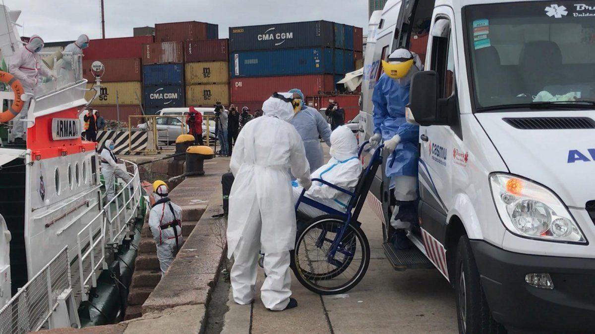 Dos australianos con coronavirus evacuados del crucero