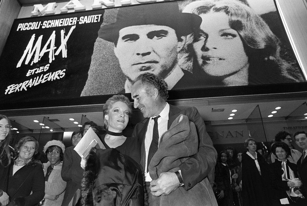 Piccoli junto a Romy Schneider en el estreno 1971 de Max y los chatarreros