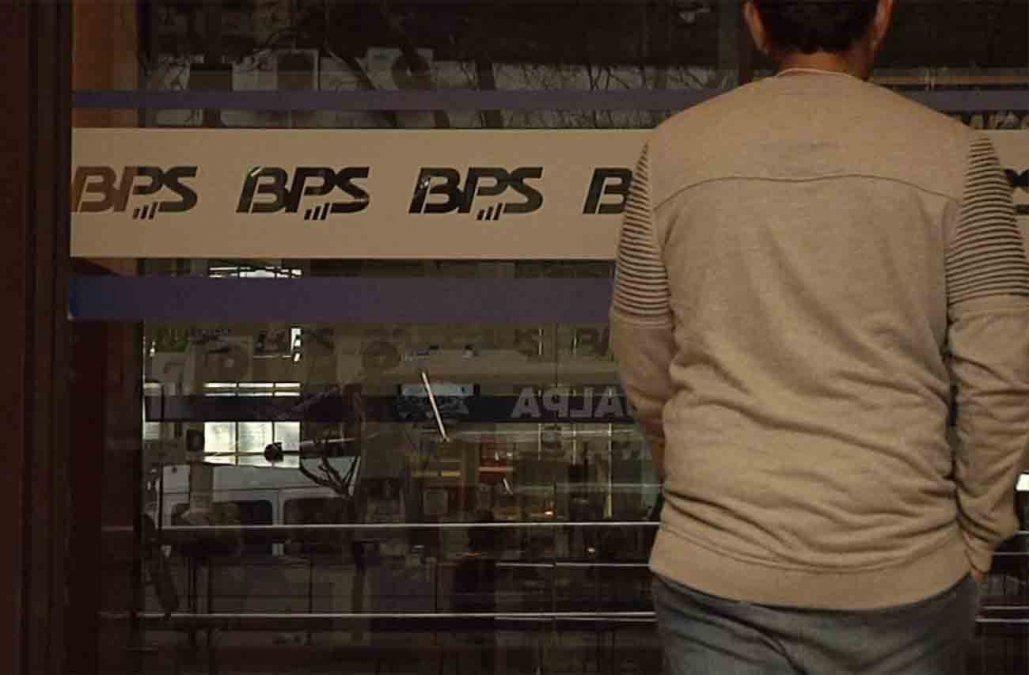 BPS informa que por error se realizaron 7.000 pagos de seguro de paro en demasía