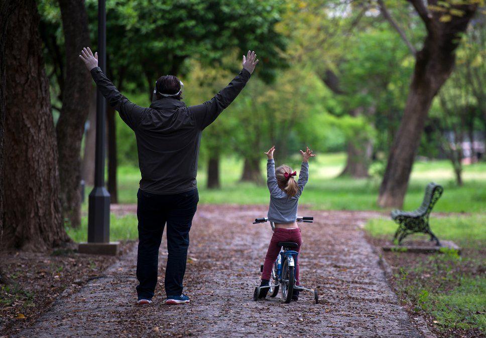 Algunos niños pudieron disfrutar de espacios al aire libre en compañía de sus padres