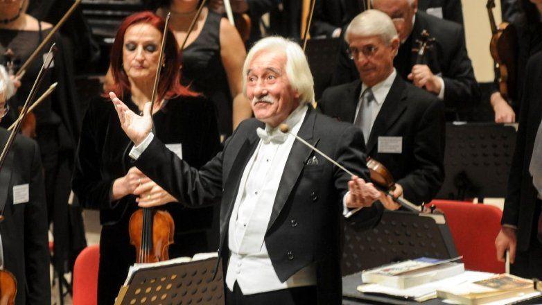 Homenaje a García Vigil: canal de Youtube del Teatro Solís emitirá este sábado a las 21 horas Il Trovatore