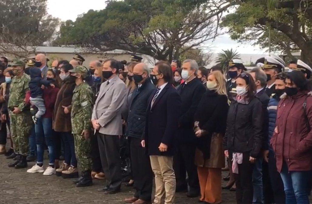 La moral del cuerpo está alta y el mando está firme, dijo Lacalle en homenaje a militares asesinados