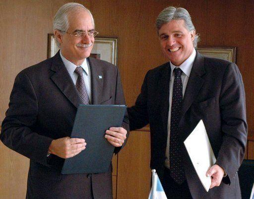 En 2008 Bustillo (derecha) era embajador en Argentina. En la foto con el canciller Jorge Taiana
