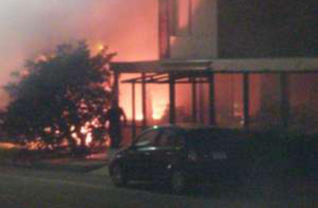 Incendio en pertenencias de hombre en situación de calle afectó hotel de Punta del Este
