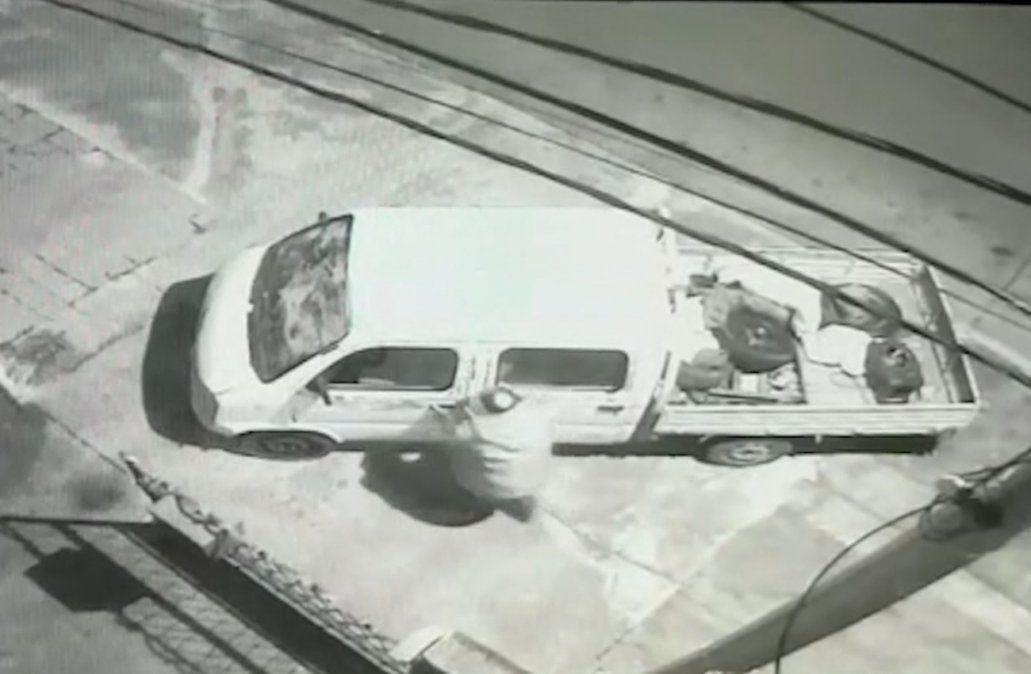 Asesinaron a un hombre de dos balazos en La Teja
