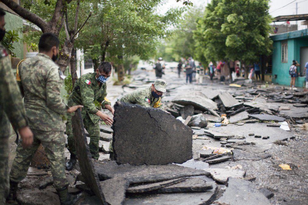 Dos muertos y cuatro desaparecidos en México tras el paso de Hanna