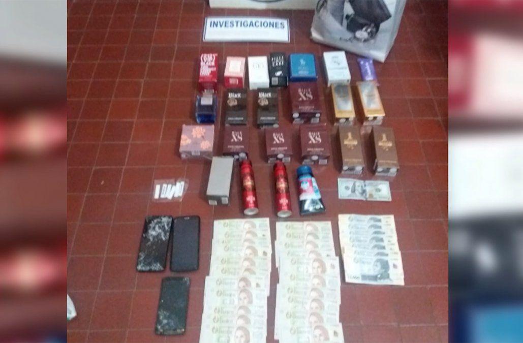 De vacaciones, dos parejas detenidas por robar 20 perfumes de una farmacia